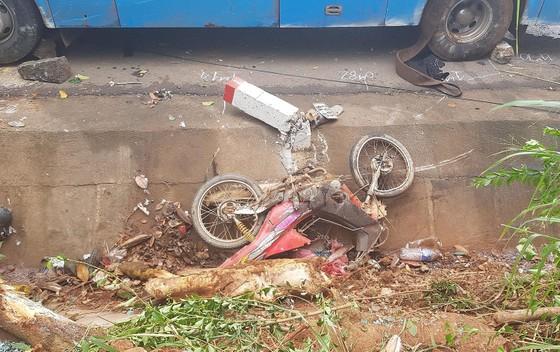 Xe ô tô chở 26 người đi du lịch Đà Lạt lao sang làn đường gây tai nạn ảnh 2
