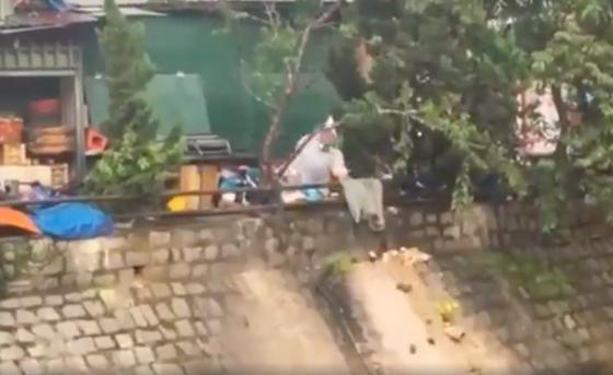 Xử lý người đổ 20 túi rác thẳng xuống suối Cam Ly – Đà Lạt ảnh 1