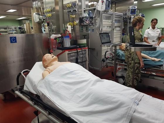 Tàu bệnh viện Hoa Kỳ đến Nha Trang ảnh 5