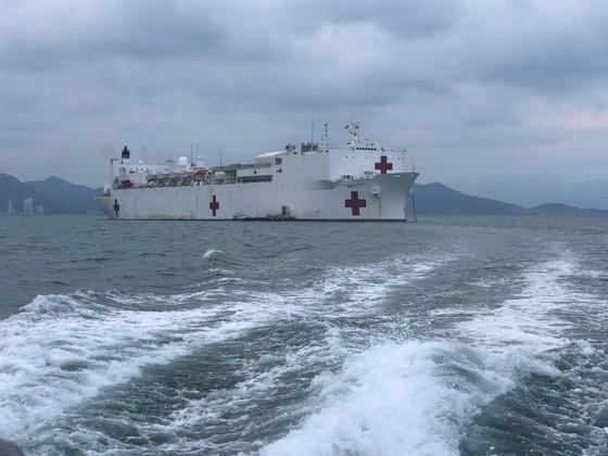 Tàu bệnh viện Hoa Kỳ đến Nha Trang ảnh 2