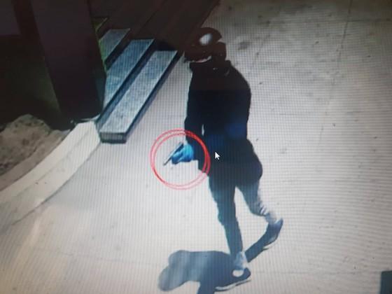 Vụ cướp ngân hàng tại Khánh Hòa - trích xuất camera nhận dạng tên cướp ảnh 1