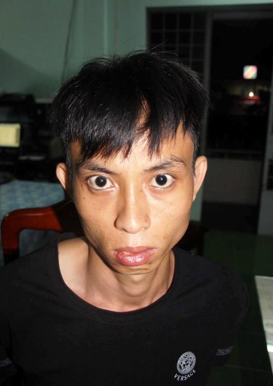 Chân dung 2 kẻ cướp ngân hàng tại Khánh Hòa ảnh 2
