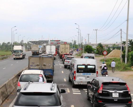 Trạm thu phí BOT Ninh Lộc tiếp tục xả trạm ảnh 1