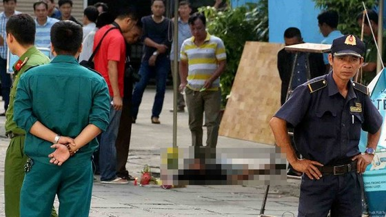 Một thanh niên 30 tuổi bị đâm chết ngay tại trung tâm karaoke và massage lớn nhất Nha Trang  ảnh 2