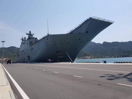 Tàu Hải quân Australia thăm cảng quốc tế Cam Ranh ảnh 3