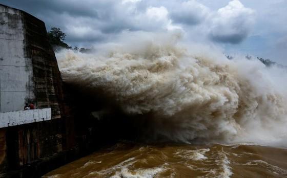 Sáng mai 7-7, 2 thủy điện lớn trên sông Đà cùng xả lũ  ảnh 1