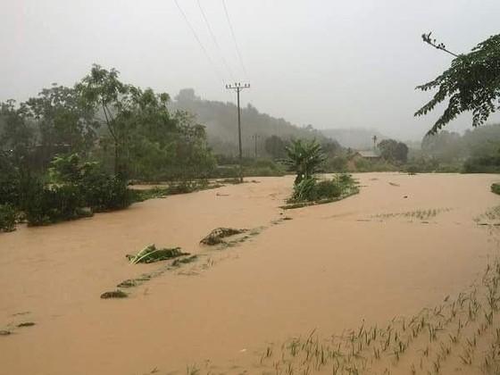 Ít nhất 18 người chết vì mưa lũ kinh hoàng sau bão số 3 ảnh 4