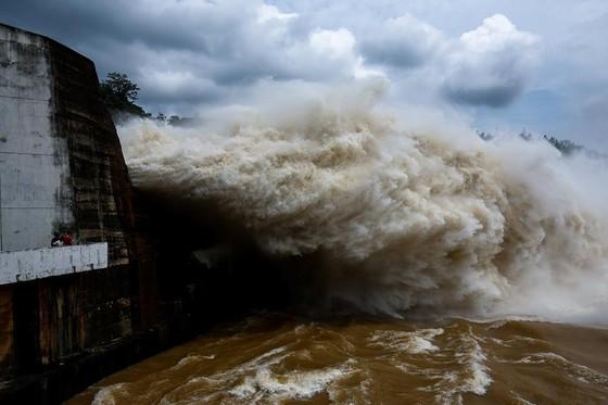 5 thủy điện trên sông Đà đủ sức chống lũ năm 2018? ảnh 2