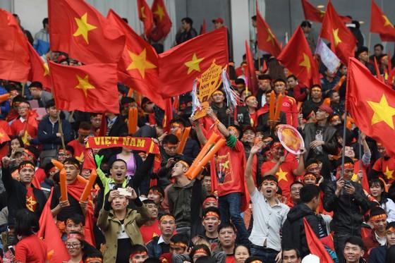Thời tiết trên sân Mỹ Đình cực đẹp cho trận chung kết Việt Nam - Malaysia ảnh 2