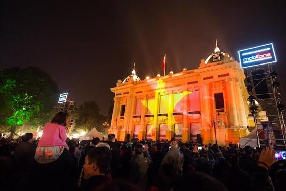 Hà Nội làm lễ tắt đèn, dùng pin mặt trời tổ chức đêm nghệ thuật ảnh 1