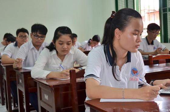 Trường ĐH Mở TPHCM điểm chuẩn giảm từ 2- 4 điểm ảnh 1
