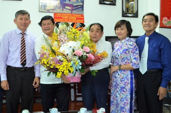 Lãnh đạo TPHCM thăm các nhà giáo tiêu biểu ảnh 3