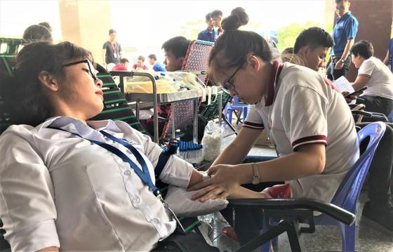 Trường ĐH Nguyễn Tất Thành hiến tặng hơn 2.000 đơn vị máu mỗi năm ảnh 2