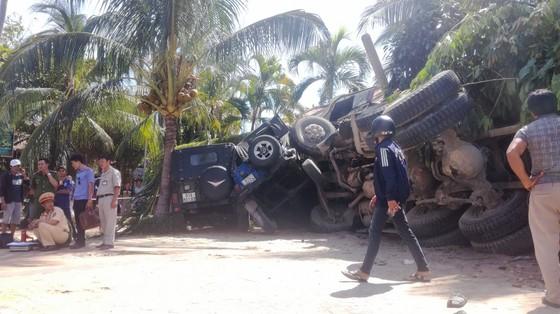 Xe ben đổ dốc mất thắng tông hàng loạt xe ở khu du lịch Mũi Né ảnh 2