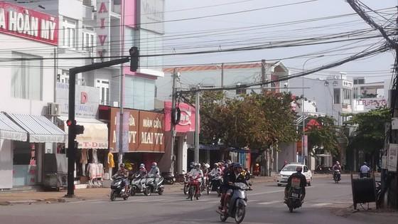 """Cận ngày """"phạt nguội"""" qua camera, người dân Phan Thiết vẫn thản nhiên vi phạm luật giao thông ảnh 3"""