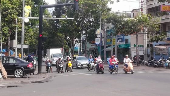 """Cận ngày """"phạt nguội"""" qua camera, người dân Phan Thiết vẫn thản nhiên vi phạm luật giao thông ảnh 1"""