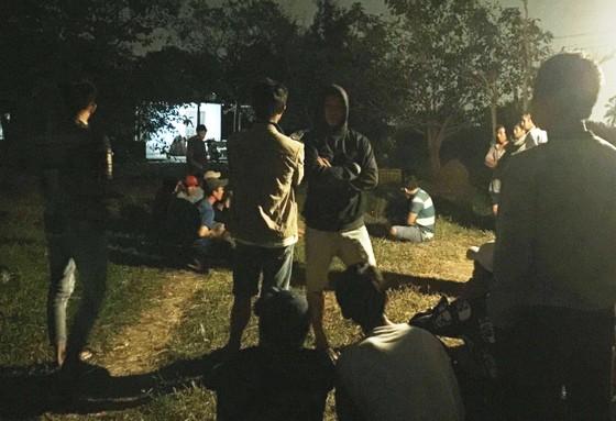Tranh cãi về chiếc điện thoại, 2 thanh niên bị đâm chết ảnh 1