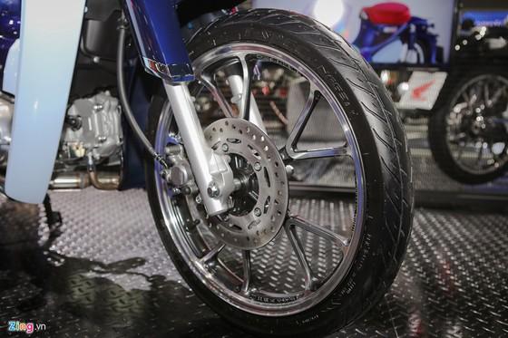 Chi tiet Honda C125 - bien the Super Cub hien dai hinh anh 6