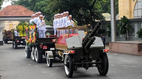 Xúc động tiễn đưa Chủ tịch nước Trần Đại Quang về nơi an nghỉ cuối cùng ảnh 41
