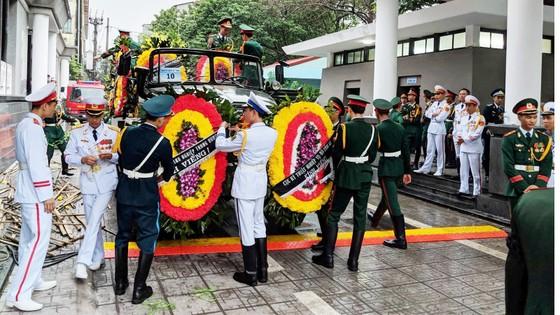 Xúc động tiễn đưa Chủ tịch nước Trần Đại Quang về nơi an nghỉ cuối cùng ảnh 56