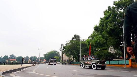 Xúc động tiễn đưa Chủ tịch nước Trần Đại Quang về nơi an nghỉ cuối cùng ảnh 30