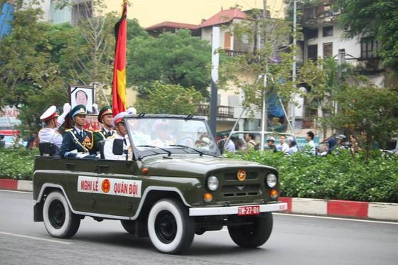 Xúc động tiễn đưa Chủ tịch nước Trần Đại Quang về nơi an nghỉ cuối cùng ảnh 34