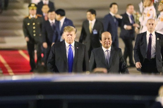 Tổng thống Mỹ Donald Trump đã đến Hà Nội ảnh 17