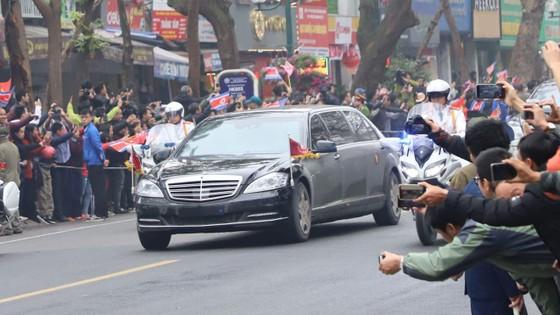 Đoàn xe ông Kim Jong-un tới Hà Nội ảnh 12