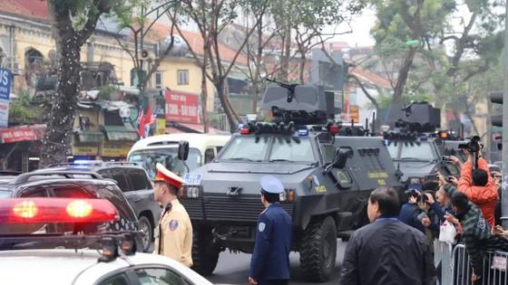 Đoàn xe ông Kim Jong-un tới Hà Nội ảnh 10