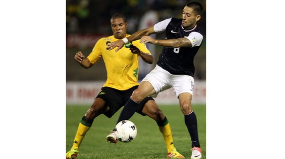 Mỹ (phải) sẽ rất vất vả nếu muốn vượt qua Jamaica.