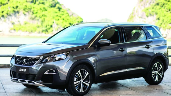Nhiều ưu đãi khi mua bộ đôi  SUV Peugeot 5008, 3008 AllNew dịp cuối năm ảnh 1