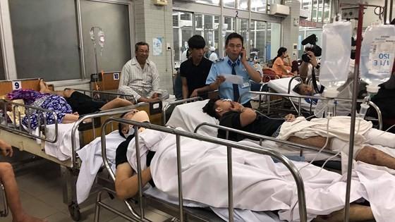 13 nạn nhân vụ tai nạn kinh hoàng ở Long An nhập viện tại Bệnh viện Chợ Rẫy ảnh 2