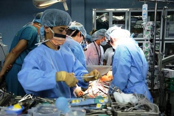 """Nhiều """"kỷ lục"""" về ghép tạng ở Việt Nam khiến thế giới thán phục ảnh 1"""