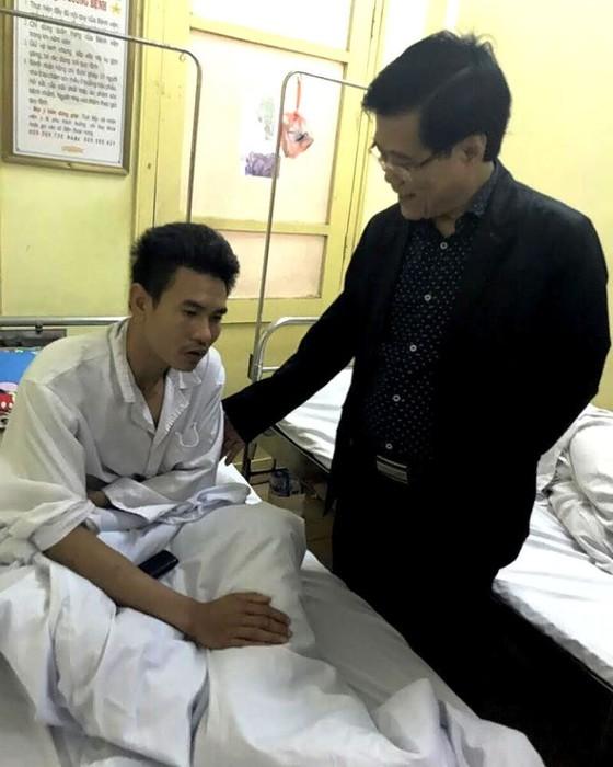 Đánh người nhà bệnh nhân, 2 bảo vệ Bệnh viện K bị đình chỉ công việc, xử theo pháp luật  ảnh 1