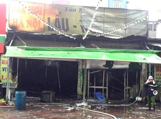 Cháy quán bia hơi giữa trời mưa, một phụ nữ thiệt mạng ảnh 2