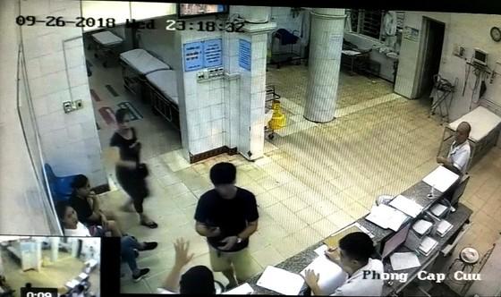 Bác sĩ Bệnh viện Quảng Ninh có đánh bệnh nhân? ảnh 2
