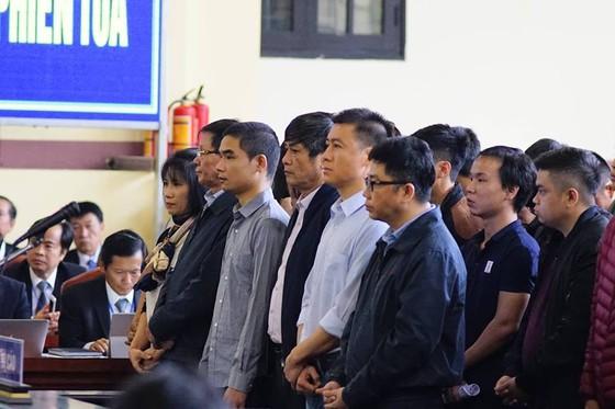 """Bắt đầu xét xử ông Phan Văn Vĩnh và đồng phạm trong """"đại án"""" đánh bạc hàng ngàn tỷ ảnh 2"""