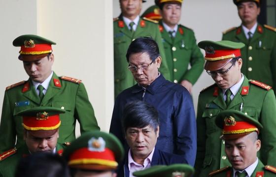 Tuyên án 2 cựu tướng công an: Không ngoại lệ trong phòng chống tội phạm ảnh 1