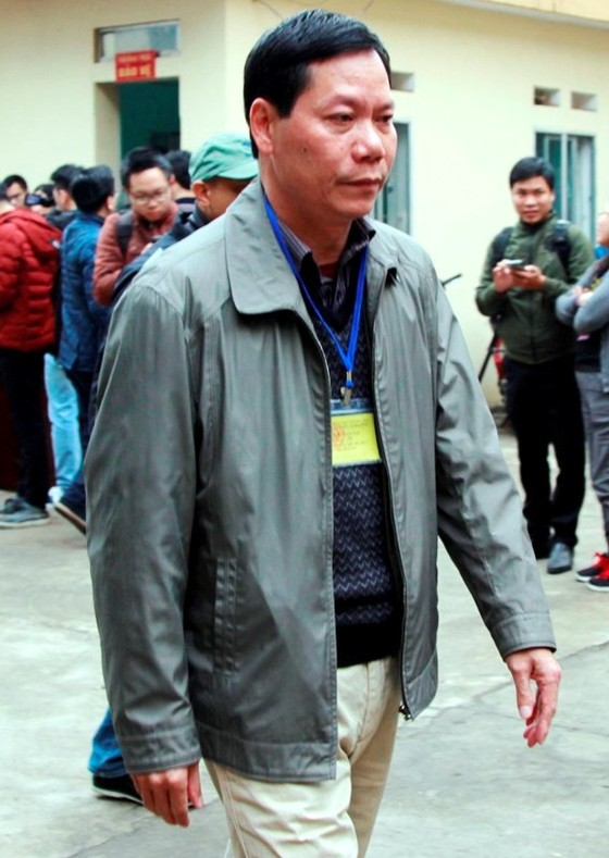 Cựu Giám đốc bệnh viện tỉnh Hòa Bình buông lỏng, để cấp dưới sai phạm ảnh 1