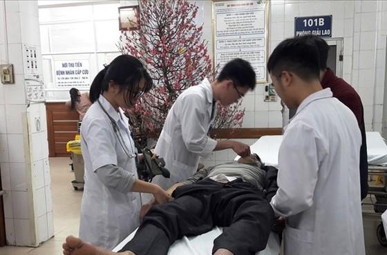 Hơn 4.000 người nhập viện cấp cứu do đánh nhau trong 6 ngày nghỉ tết ảnh 1