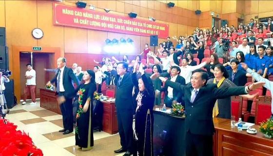 Bộ trưởng Bộ Y tế tập thể dục trong khai mạc Những ngày phim y tế Việt Nam 2019 ảnh 3