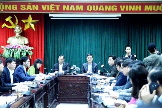 Lãnh đạo cục và lãnh đạo huyện đã nói gì tại cuộc họp báo vụ hàng trăm trẻ nhiễm sán heo? ảnh 1