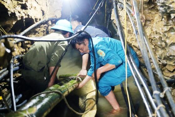Kết thúc tìm kiếm người đàn ông mắc kẹt dưới hang Vàng - Không có phép màu! ảnh 2