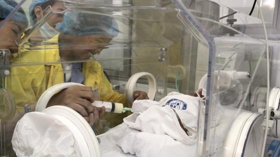 Nghẹn ngào giây phút người mẹ ung thư di căn ôm con trai bé bỏng! ảnh 5