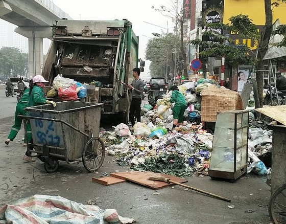 Dân dỡ bỏ 'chốt chặn', Hà Nội thoát cảnh ngập trong rác ảnh 3