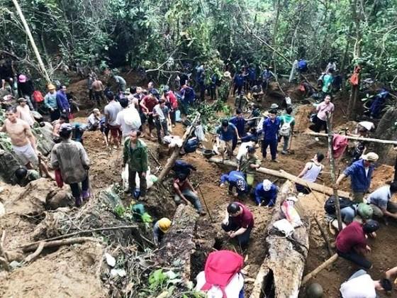 Số người tìm kiếm đá quý tại khu vực núi đá Liễu Đô đã giảm bớt ảnh 1