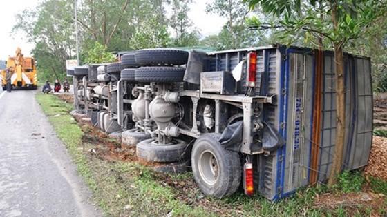 Liên tiếp xảy ra 3 vụ tai nạn giao thông trong 1 giờ đồng hồ ảnh 1