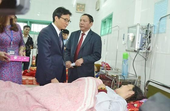 Phó Thủ tướng Vũ Đức Đam thăm các thầy thuốc ở miền núi tỉnh Quảng Trị ảnh 2