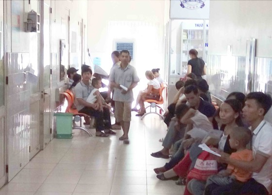 Nắng nóng trên 40°C, sinh hoạt người dân miền Trung đảo lộn ảnh 7