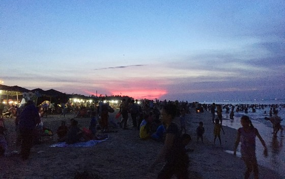 Nắng nóng trên 40°C, sinh hoạt người dân miền Trung đảo lộn ảnh 3